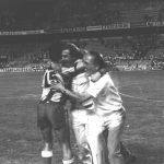 Jordi Gonzalvo en el campo del Sevilla. Celebración de ascenso